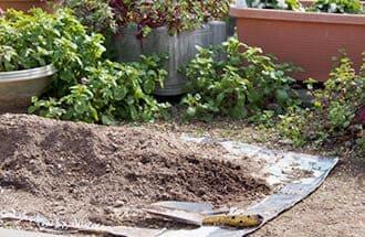 ガーデニングの植木やプランタなどの残土回収